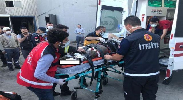 Düştüğü Taş Ezme Makinesinde Bacağı Kopan Yaralı Kepçeyle Taşındı