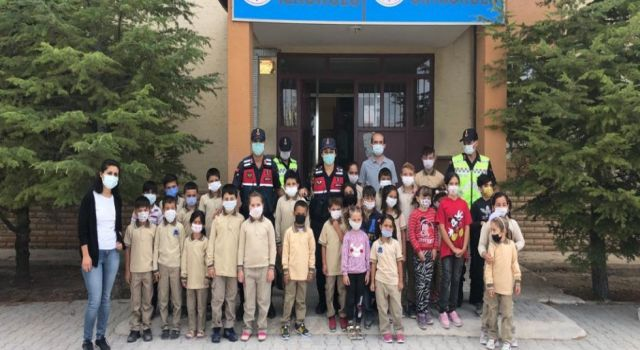 Jandarma İlköğretim Haftasında Okullarda