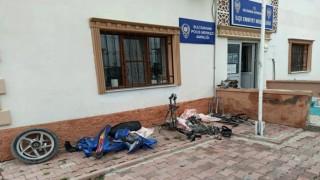 Çaldıkları Motosikleti Parçalayan 2 Kişi Suçüstü Yakalandı
