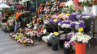 Çiçekçilerde Hafta Sonu Mesaisi