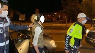 Sevgilisini Darp Edip Zorla Kaçırmak İsterken Yakalandı, CD ve Arabasının Derdine Düştü