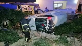 Kazada Şoka Giren Yaralı Kardeşleri El Ele Tutuşturup Sakinleştirdi