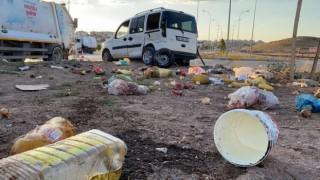 Otomobil İle Hafif Ticari Araç Çarpıştı: 4'ü Çocuk 10 Yaralı
