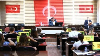 Başkan Dinçer Erasmus Gençlik Değişimleri Projesi Kapsamında Şehre Gelen Gençlere Aksaray'ı Anlattı