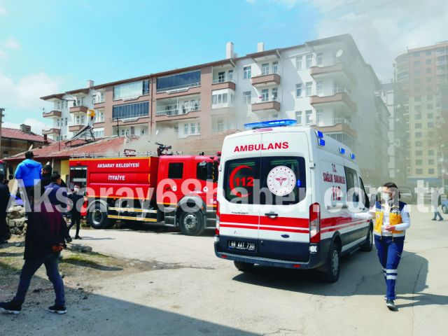 Müstakil Evde Yangın Çıktı, Yaşlı Kadını Komşuları Kurtardı